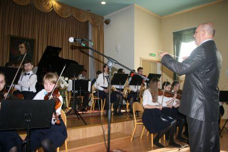 Koncert pedagog�w i orkiestry szkolnej w Miastku