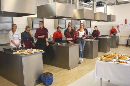 Oddanie do u¿ytkowania sali gastronomicznej w ZSEU w Bytowie